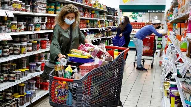 調研:2020年全球食品雜貨銷量大增10% 幅度創新高 (圖片:AFP)