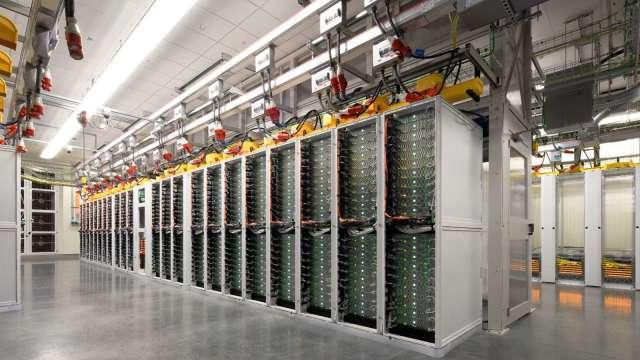 微軟今年擬再建10座資料中心,廣達、緯穎可望受惠。(圖:微軟提供)