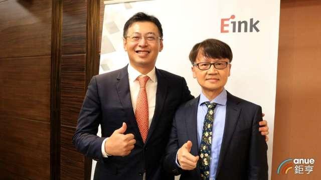 元太董事長李政昊(左)、總經理甘豐源(右)。(鉅亨網記者劉韋廷攝)