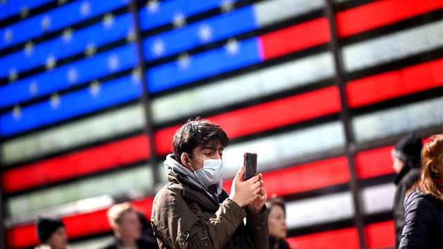 美將公布上周初領失業金人數 美股期貨下跌(圖片:AFP)