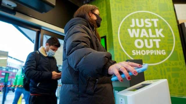 亞馬遜Just Walk Out自動結帳技術 將進駐生鮮無人超市(圖片:AFP)
