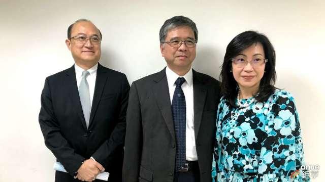左至右為中化裕民總經理孫蔭南、技術長吳志庸及國際事業開發處副總謝君如。(鉅亨網資料照)
