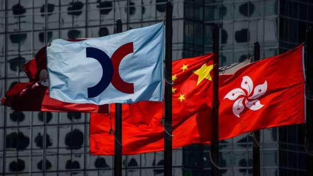【袁志峰專欄】市場信心薄弱,大盤易跌難升 (圖片:AFP)