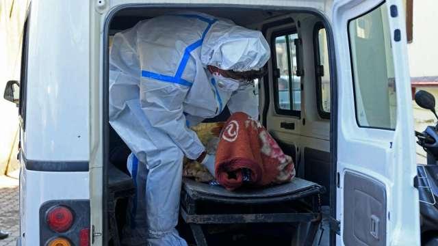 抗疫!美國將釋6000萬劑AZ疫苗、供印度原料、討論專利豁免 (圖:AFP)