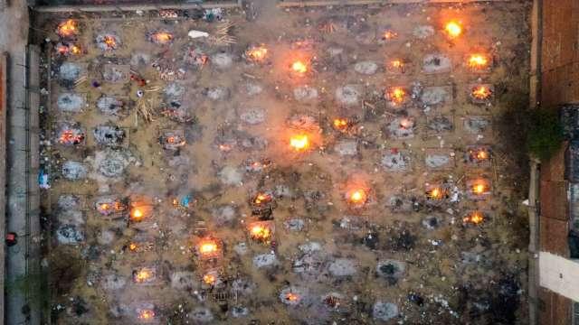 印度疫情大爆發 原油強勁需求動搖 石油業心慌(圖:AFP)