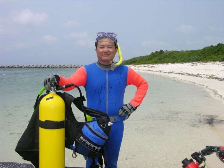 中央研究院生物多樣性研究中心研究員鄭明修,因為對海洋的熱愛成為國內海洋保育先鋒,認為海洋廢棄物為當前最重大的環境議題。 圖│鄭明修