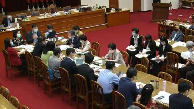 立法院財委會今日完成貨物稅相關條例修草案初審。(圖:立院官網))