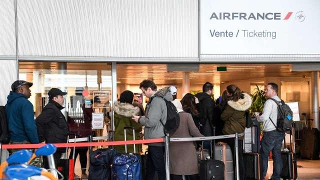 歐盟提議對完全接種疫苗遊客放寬非必要旅行限制 (圖:AFP)
