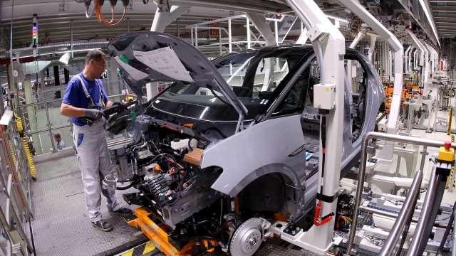 美4月ISM製造業PMI回落 原料短缺、價格飆高持續打擊製造商 (圖:AFP)