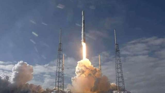 SpaceX稱已收到50萬筆星鏈計畫衛星網路訂單(圖片:AFP)