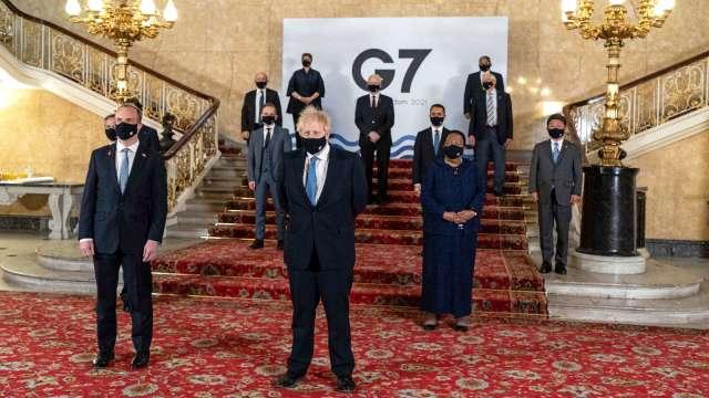 G7外交部長在兩年來首次面對面會議後合影 (圖:AFP)
