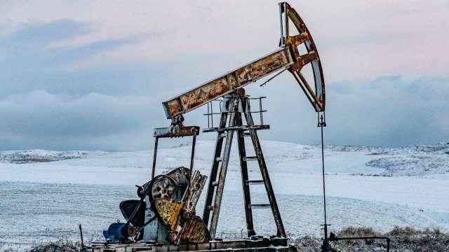〈能源盤後〉汽油需求前景堪憂 挫傷市場信心 原油收低 (圖片:AFP)