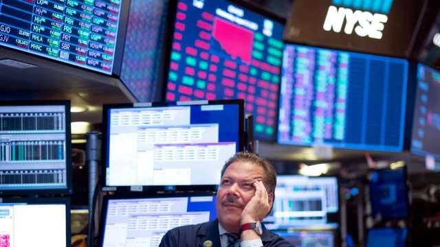 〈美股盤後〉科技股扯後腿 台積電ADR跌跤 費半血崩。(圖片:AFP)