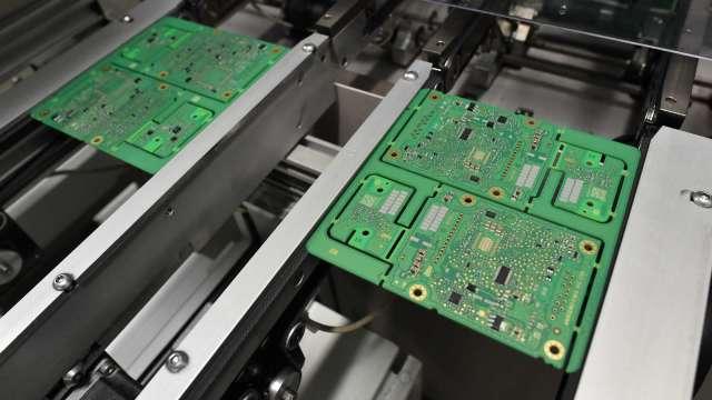 蘋果、亞馬遜等科技巨頭力促政府撥款 幫助擴大本地晶片產能 (圖:AFP)