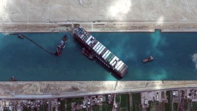 埃及總統批准 擴建蘇伊士運河。(圖片:AFP)