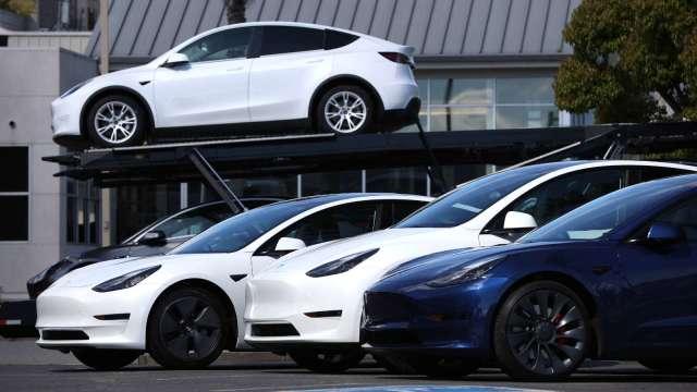 中國4月乘用車零售年增12% 晶片荒將不利5月表現。(圖:AFP)