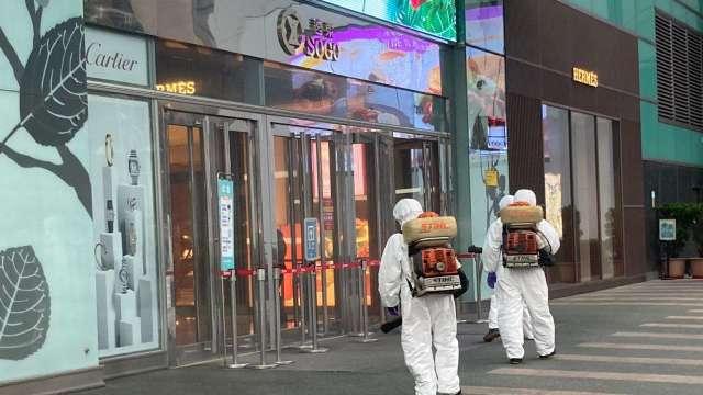 SOGO復興店恐有確診者入館,今日提早打烊全面消毒。(圖:SOGO提供)