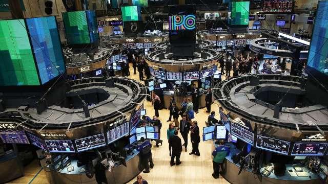 〈美股盤後〉CPI數據掀通膨恐慌 費半慘遭血洗 道瓊暴跌近700點 (圖片:AFP)