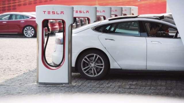 統一充電標準 飆出大商機。(圖:AFP)