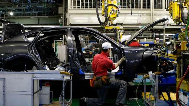 車商難度晶片荒 Stellantis將裁逾千名員工 馬自達年產能縮水(圖片:AFP)