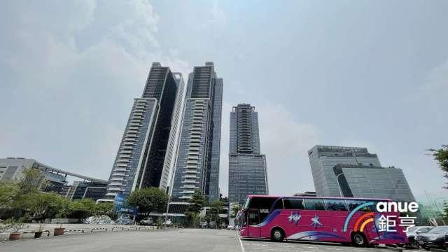 西華富邦為結合飯店管理的豪宅建案。(鉅亨網記者張欽發攝)