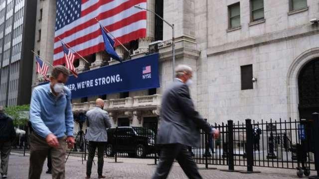 比特幣近期下修約3成 華爾街擔心連帶拖累美股(圖:AFP)