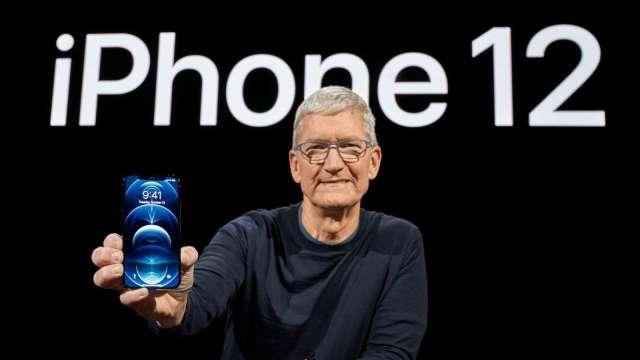 iPhone12賣不動? 蘋果要求日本放寬折扣限制 以利5G普及 (圖片:AFP)
