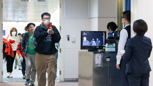 無居留證外籍人士5/19-6/18暫緩入境 來台轉機也喊卡。(圖:AFP)