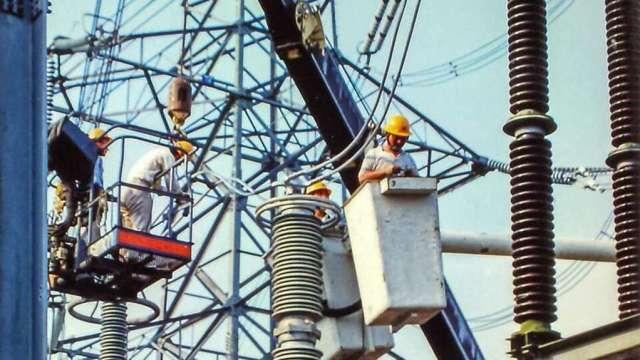 21:40結束分區限電,台電董座承諾檢討備轉容量機制。(台電提供)