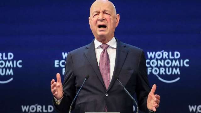 世界經濟論壇主席施瓦布 (Klaus Schwab) 宣布取消今年會議。(圖片:AFP)