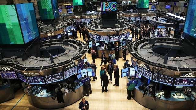 通膨隱憂籠罩 台積電ADR走軟 四大指數齊黑。(圖片:AFP)