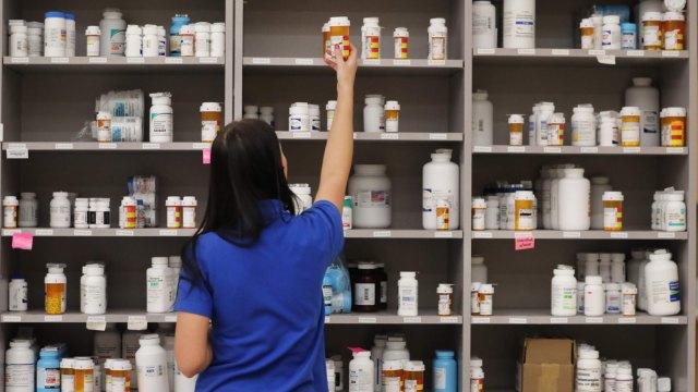 懷特展開新冠肺炎計畫 將向FDA申請緊急臨床試驗許可。(圖:AFP)