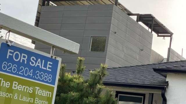 美國房市泡沫加劇?加州房價中位數首度突破80萬美元(圖:AFP)