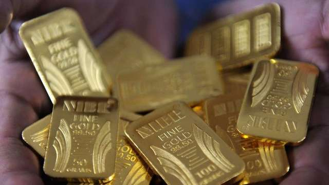 比特幣正面臨崩跌 分析師:有利黃金繼續上揚(圖:AFP)