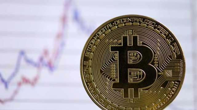 血洗幣圈!加密貨幣交易所Coinbase和Binance故障中斷。(圖片:afp)