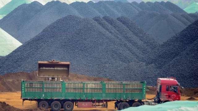 李克強重申抑制商品價格決心 原物料市場、類股多頭信心受挫(圖:AFP)