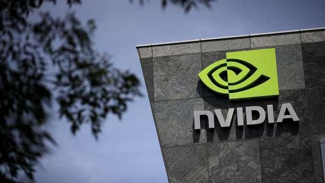 AI商機900億美元!Nvidia地位獨特 券商喊買 激勵股價漲近4%(圖片:AFP)