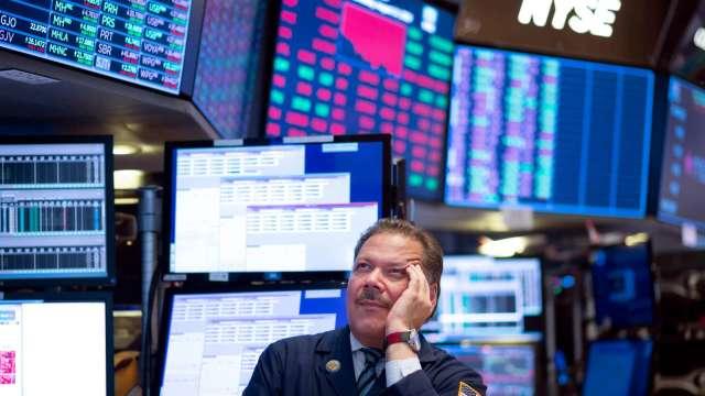 拜登2.25兆美元基建規模大縮水 美股三大指數收黑。(圖片:AFP)