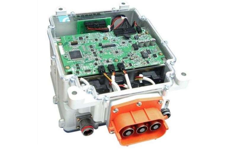 工研院研發的碳化矽馬達驅控器擁有 40kW/L 的高功率密度,以及 99% 的高效率表現,有國際水準。