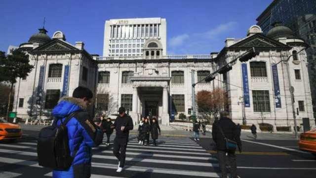 經濟復甦遭夾擊 亞洲央行政策恐捉襟見肘 (圖片:AFP)