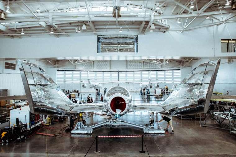 維珍銀河上週末首次把載人的太空船,成功送上太空 (圖片:AFP)