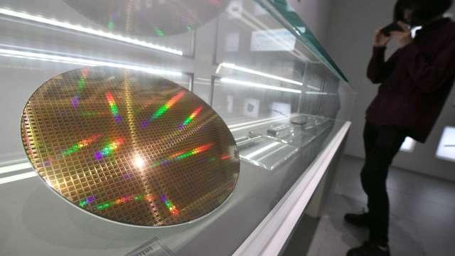 全球8吋晶圓產能增加 SEMI估今年月產能達660萬片 改寫新紀錄。(圖:AFP)