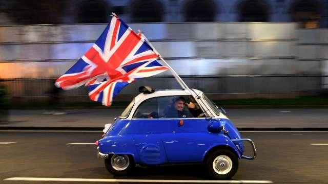 英國4月汽車生產大幅回彈 仍低於疫情前水準 (圖片:AFP)