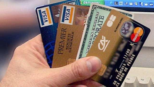 旅遊回春!美2/3消費者現在花得比去年多 Visa、萬事達卡看漲 (圖片:AFP)