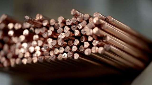 智利礦工罷工衝擊供應 銅價漲回1萬美元上方(圖:AFP)