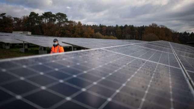 太陽能上游價格再飆1成以上 模組成本壓力仍大。(圖:AFP)