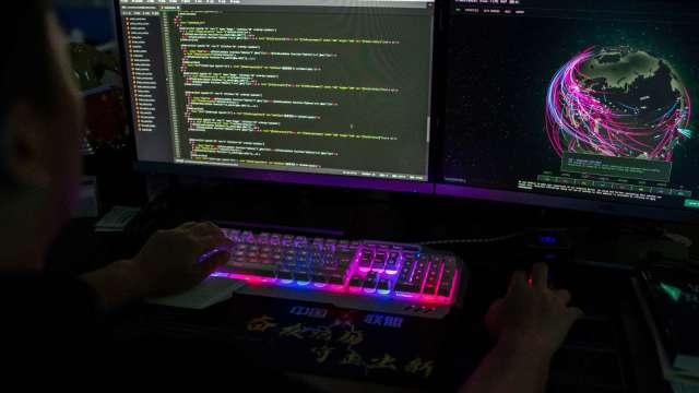 微軟示警:SolarWinds事件幕後黑手 已將目標瞄準政府機關、NGO (圖:AFP)