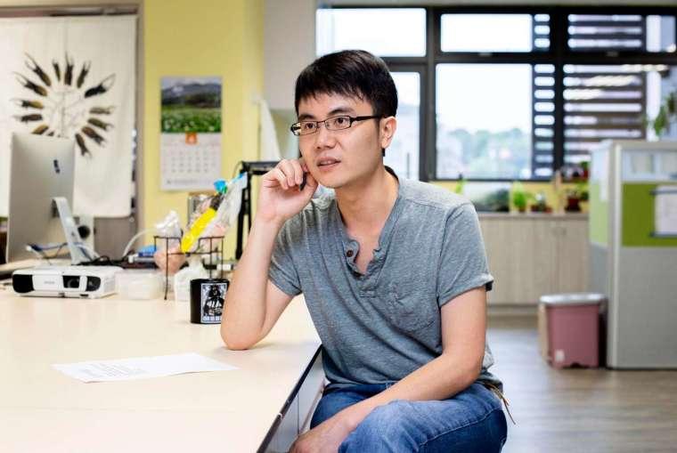 回到台灣後,黃仁磐除了鑽研多年的地衣、甲蟲以外,也嘗試新的方向,開始利用族群遺傳學來量化評估保育政策。 圖│研之有物