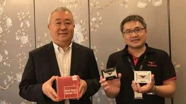 左起為十銓董事長夏澹寧、總經理陳慶文。(圖:十銓提供)