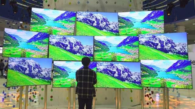 OLED面板行情看俏 近三年來首度走揚 (圖片:AFP)